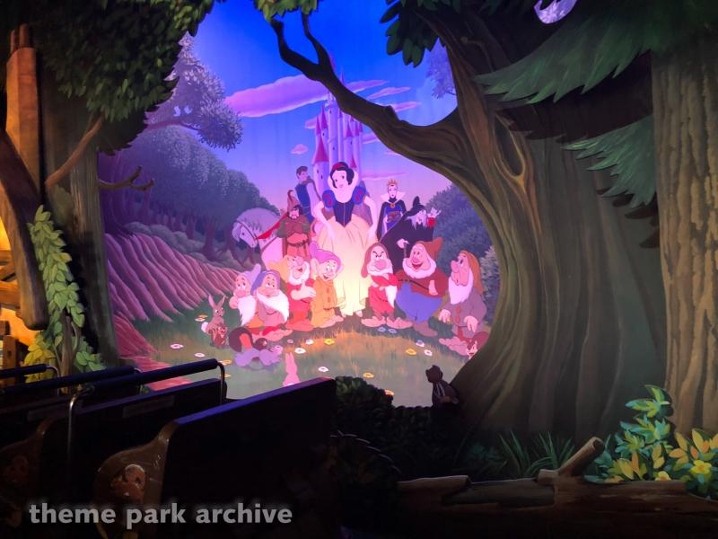 Blanche Neige et les Septe Nains at Disneyland Paris