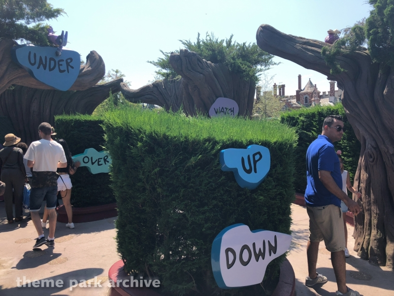 Alice's Curious Labyrinth at Disneyland Paris