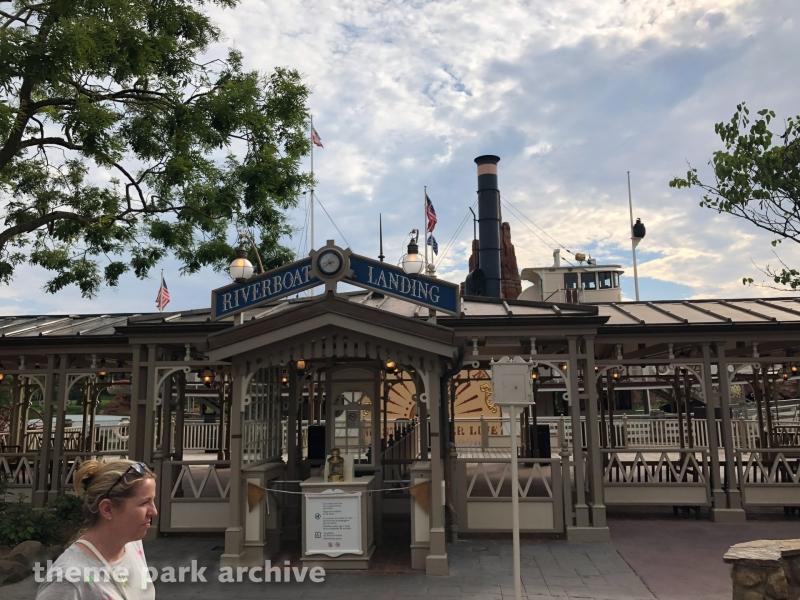Thunder Mesa Riverboat at Disneyland Paris