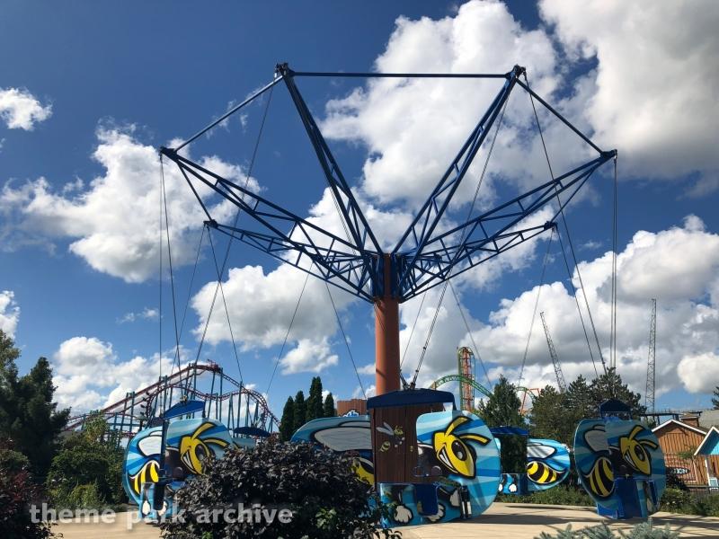 Hornet's Nest at Six Flags Darien Lake