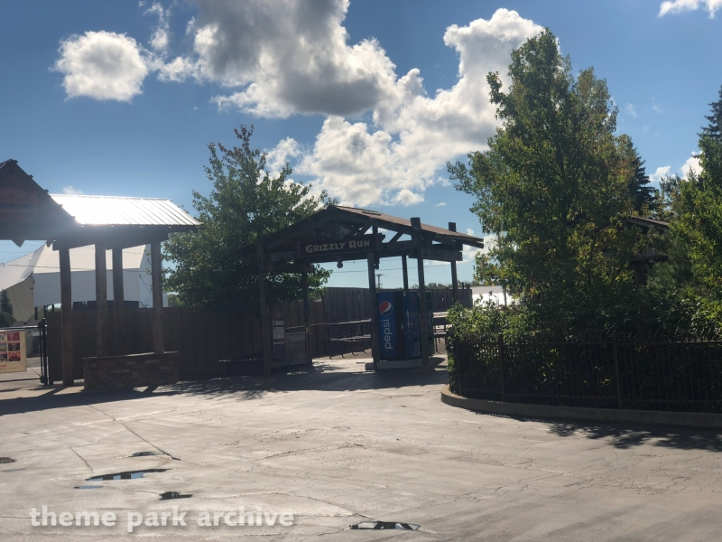 Grizzly Run at Six Flags Darien Lake