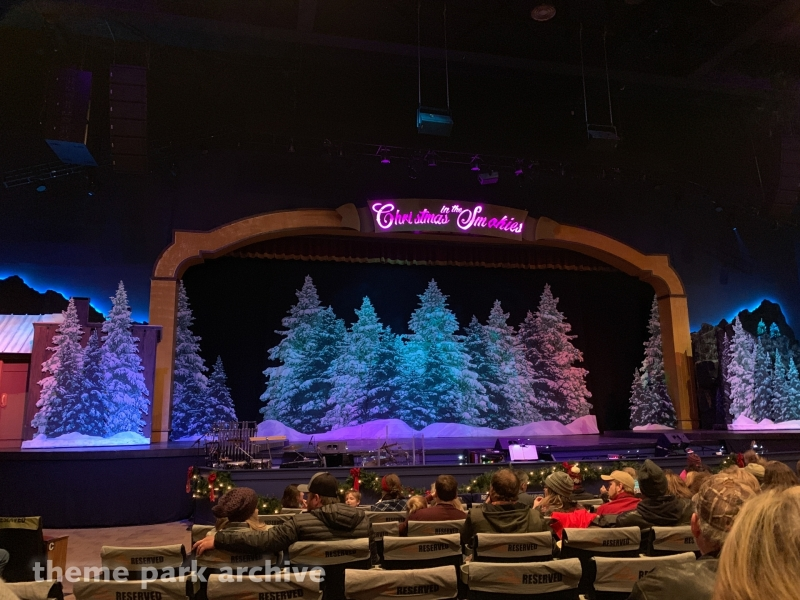 DP's Celebrity Theatre at Dollywood