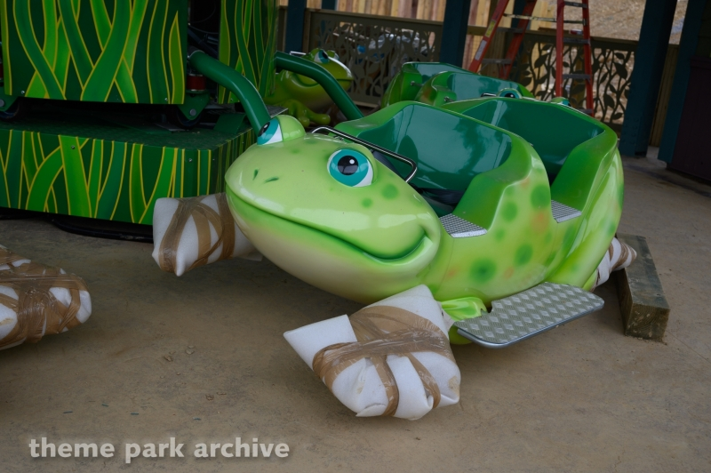Frogs and Fireflies at Dollywood