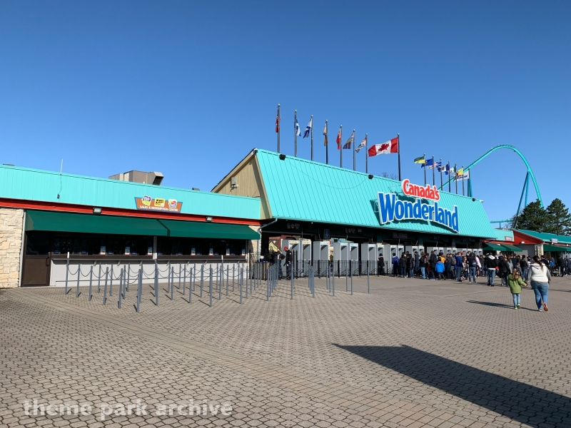 Entrance at Canada's Wonderland