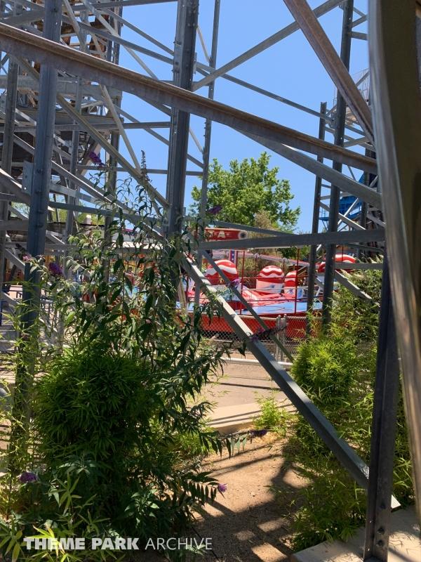 Tilt A Whirl at Cliff's Amusement Park