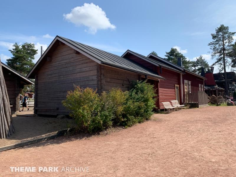 Doghill Fairy Tale Farm at Sarkanniemi