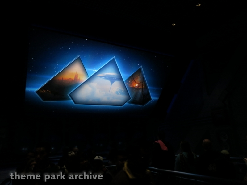 Star Tours The Adventures Continue at Disneyland