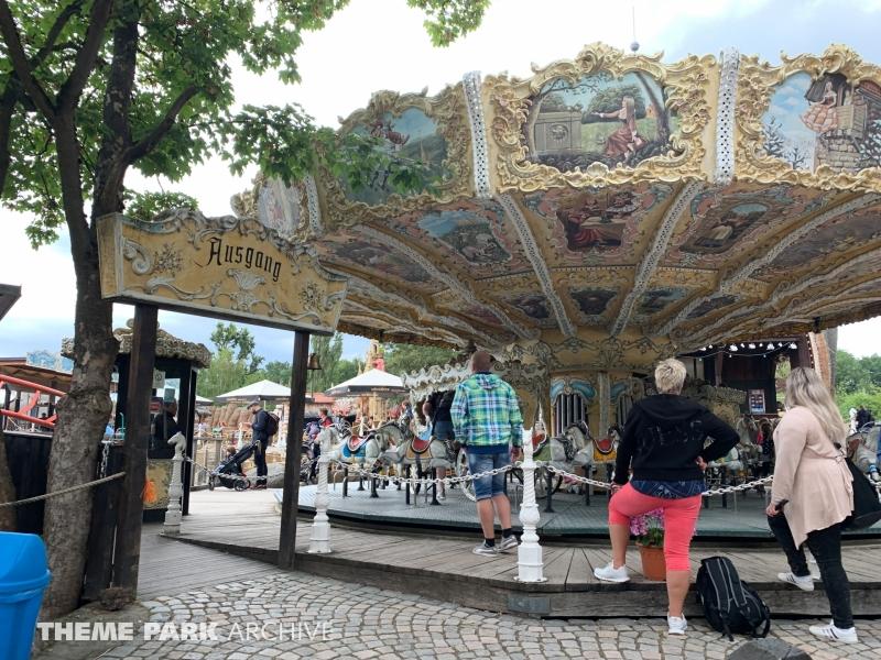 Nostalgie Pferdekarussel at Freizeitpark Plohn