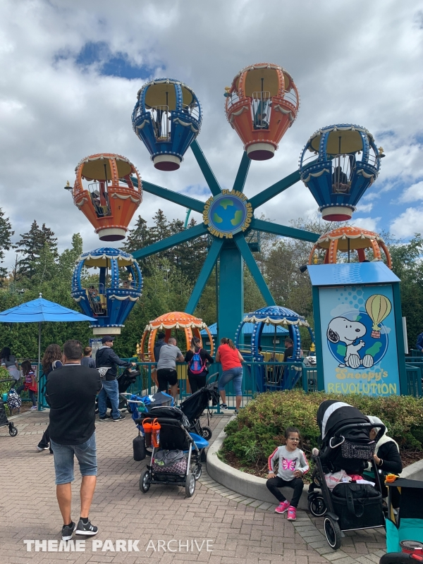Planet Snoopy at Canada's Wonderland