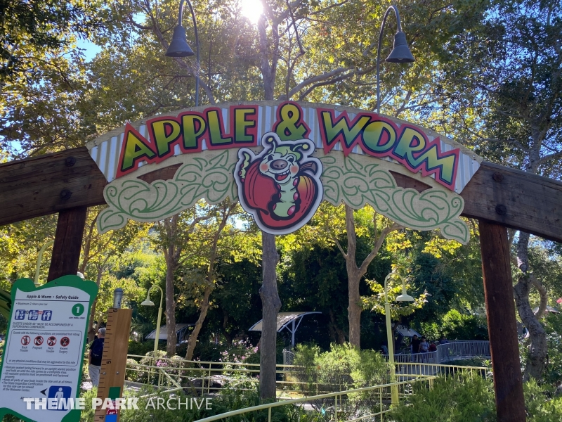 Apple & Worm at Gilroy Gardens