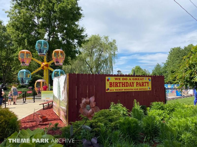 Professor Marvel's Ferris Wheel at Sluggers & Putters Amusement Park
