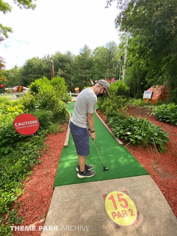 Adventure Mini Golf at Sluggers & Putters Amusement Park