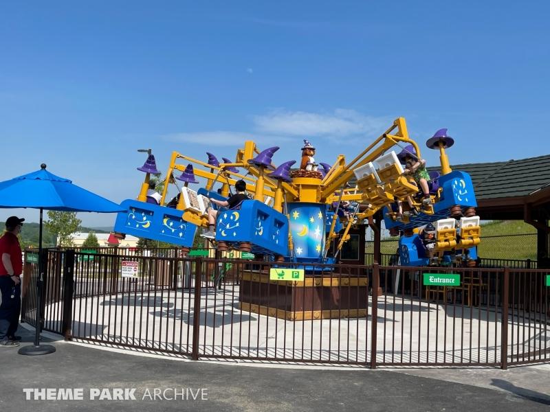 Merlin's Flying Machines at LEGOLAND New York