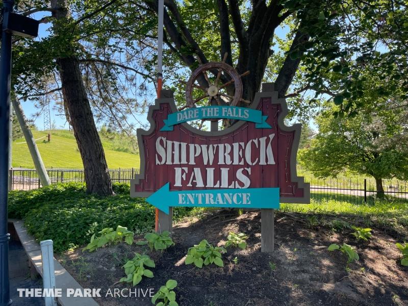 Shipwreck Falls at Six Flags Darien Lake