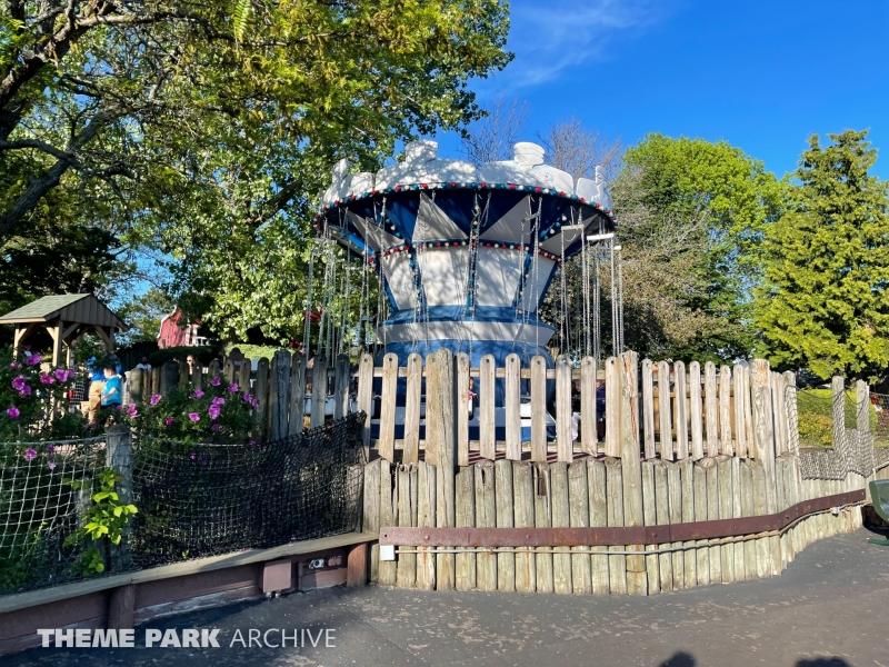 Woody's Whirlers at Six Flags Darien Lake