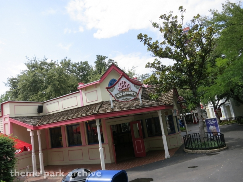 Old South at Six Flags Over Texas
