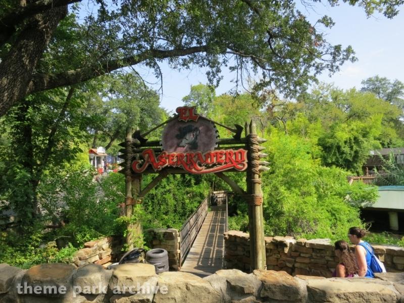 El Aserradero at Six Flags Over Texas