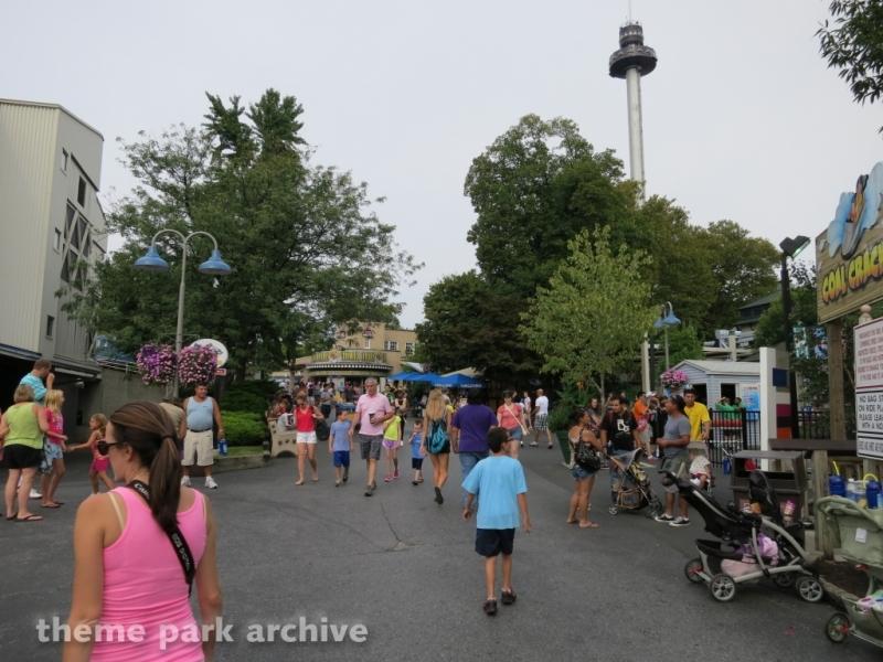 Kissing Tower at Hersheypark
