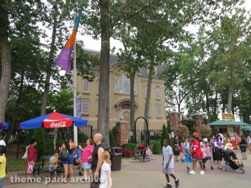 Houdini The Great Escape at Six Flags Great Adventure
