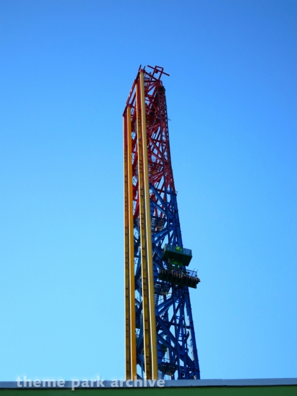 Lex Luthor Drop of Doom at Six Flags Magic Mountain