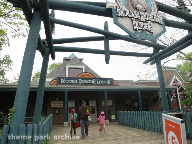 Moose Burger Lodge at Six Flags Great America