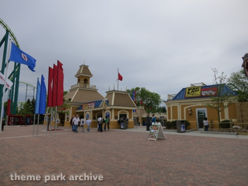 Entrance at Valleyfair