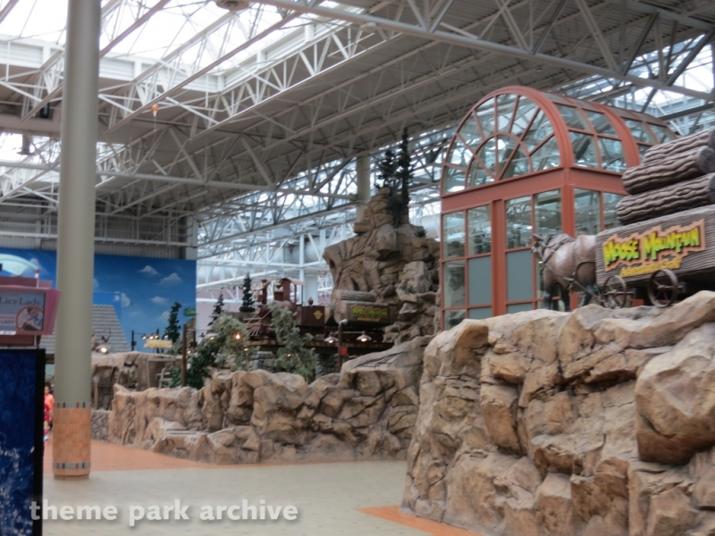 Moose Mountain Adventure Golf at Nickelodeon Universe at Mall of America