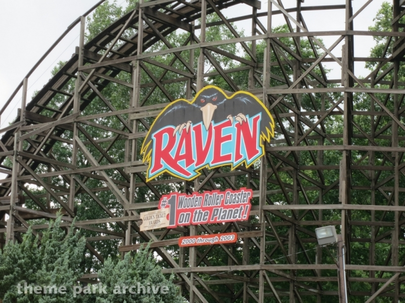 Raven at Holiday World