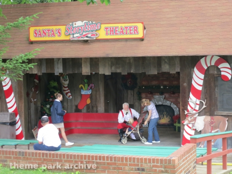 Santa's Storytime Theater at Holiday World
