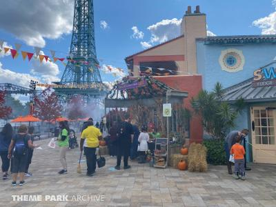 Kings Island Tricks and Treats Fall Fest 2020