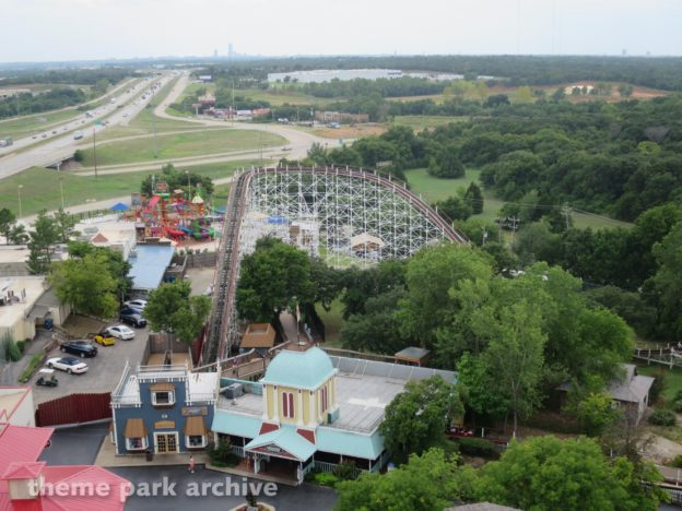 Six Flags Adds Five More Parks!